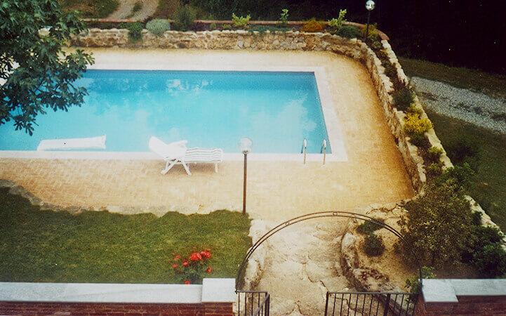 piscina nel verde realizzata dall'impresa edile rec costruzioni generali